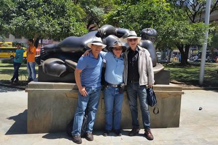 plaza botero medellin day tours